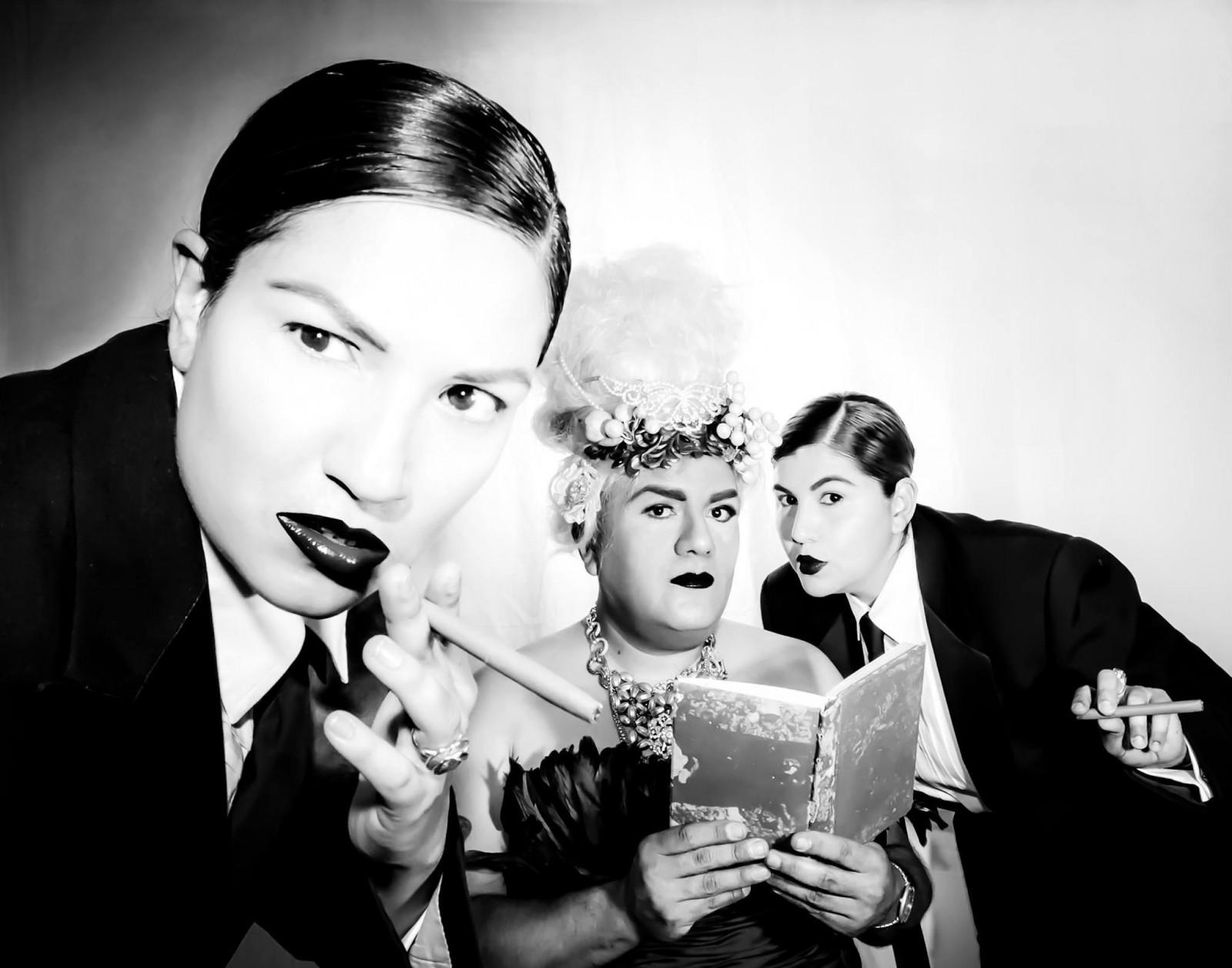 Cuellar (center) photographed by Kristel Puente